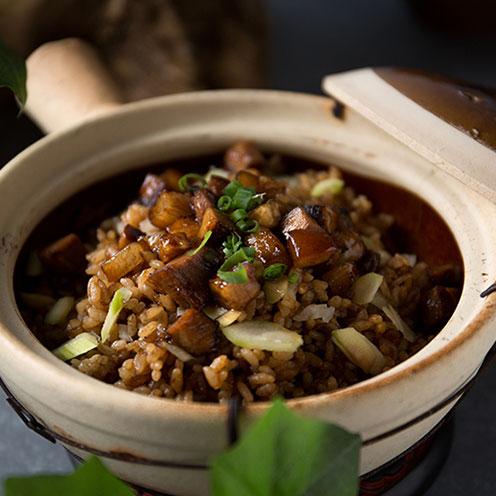电饭锅焖饭